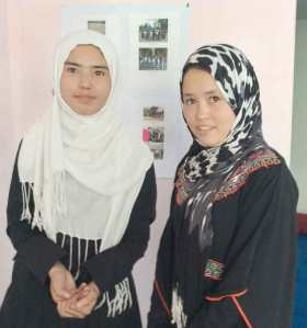 Hadissa & Farzana, teachers in the Street Kids program