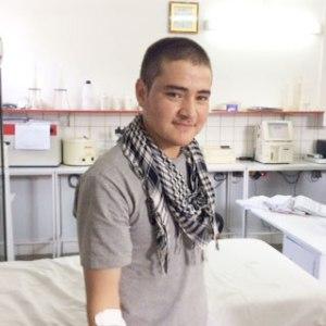 Zekerullah donating blood for war victims